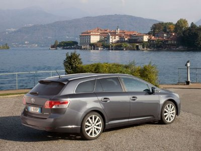 New Toyota Avensis Space Wagon