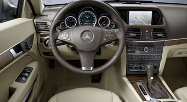 New Mercedes E-Klasse, futuristic automobile