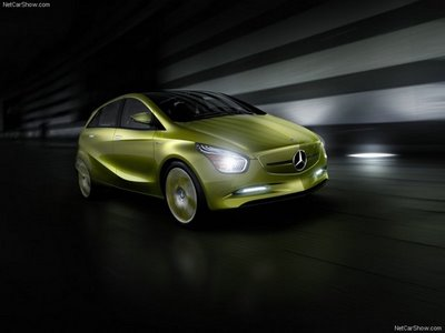 2010: Mercedes-Benz Bluezero Concept