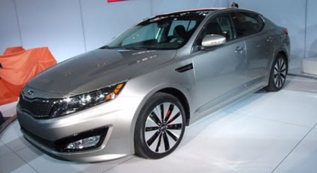 2011 New Kia Optima Sedan 2.4L, 2.0 Turbo and Hybrid Powertrains