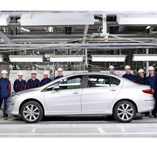 Peugeot 408: The first cars roll-off the Kaluga assembly line