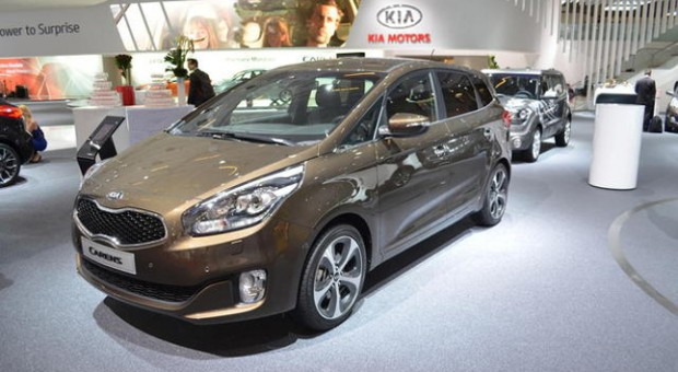 2013 Kia Carens: Kia Announces Carens UK Specification and Pricing