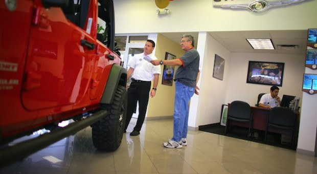 Jeep vehicle sales increased 4 percent globally in 2013 versus 2012