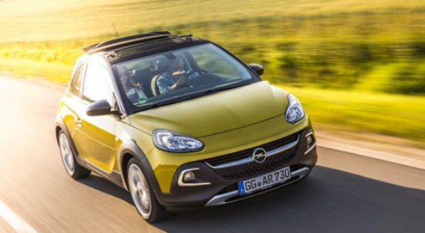 Mini-Crossover on Road to Success: New Opel ADAM ROCKS
