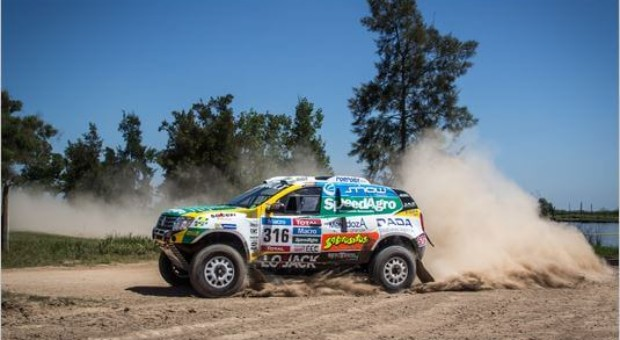 'Renault Duster Team' already in the Top 5 at 2015 Dakar Rally