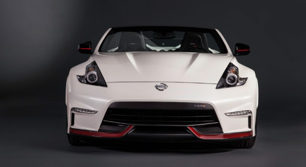 Nissan 370Z Roadster Concept, GT-R LP NISMO Racer Make World Debut at the 2015 Chicago Auto Show