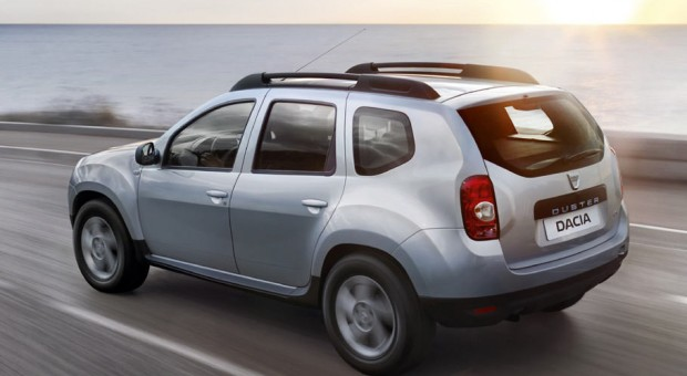 Dacia extends its powertrain offer with the introduction of Easy-R automated manual transmission and presents the Duster édition 2016 at Frankfurt Motorshow