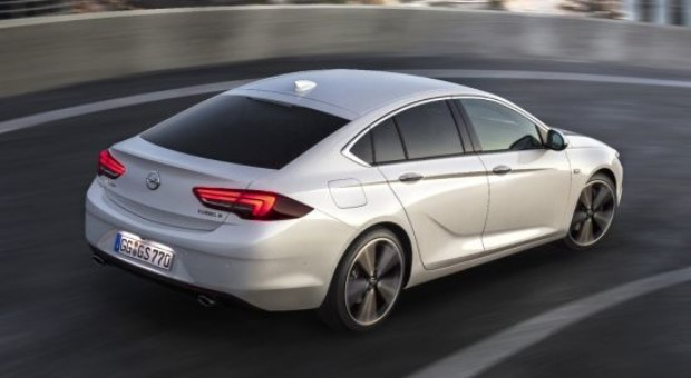 "Opel Insignia is ""All-Wheel Drive Car Of The Year 2019"""