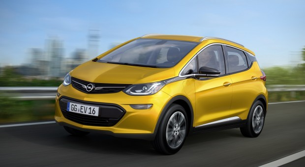 Opel Ampera-e: Authentic #AMPventure Road Trip through Europe