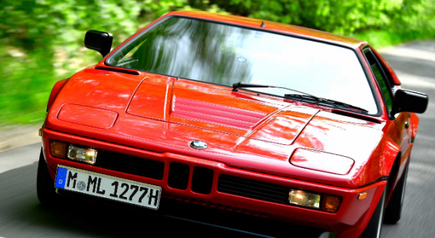 Fascinating view of history: BMW M1 40