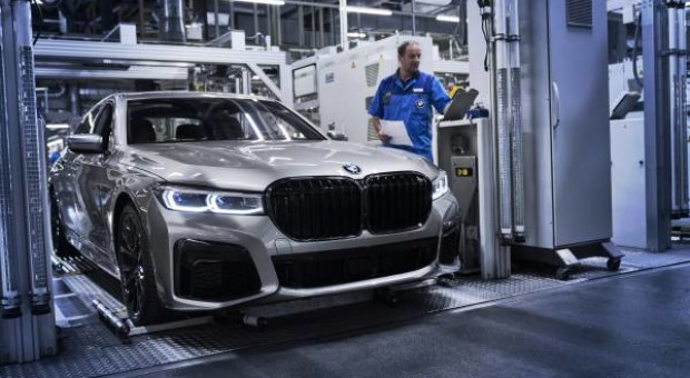 BMW Group sales grow in April and in year-to-date
