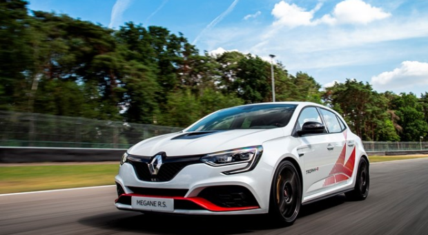 New Renault MÉGANE R.S. TROPHY-R is the most high performance production car Renault has ever put on the market