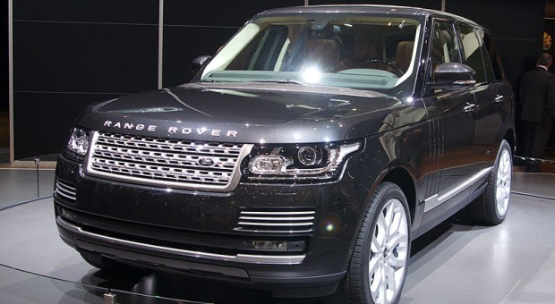 Land Rover Almost Snatch a 1-2-3 Of Luxury SUVs