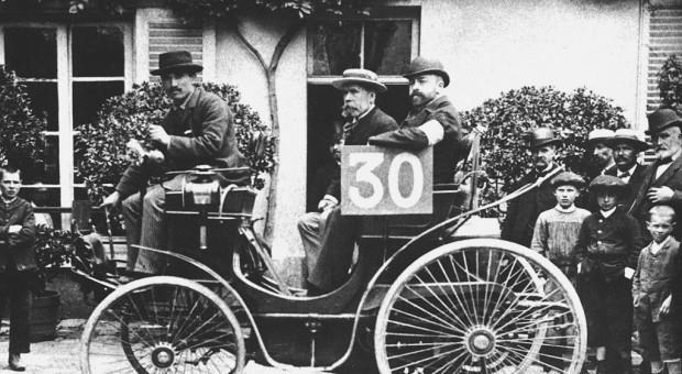 1894, The world's first automotive endurance race