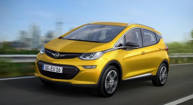 Opel Ampera-e: Authentic #AMPventure Road Trip through Europe