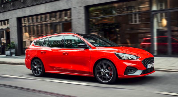 Ford today revealed the first images of the all-new Focus ST in wagon body style